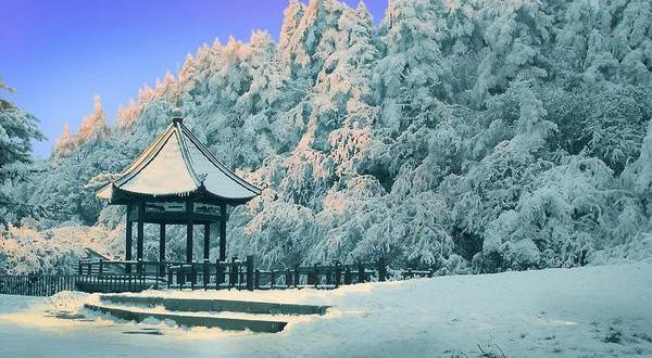 峨眉山风景区雪景