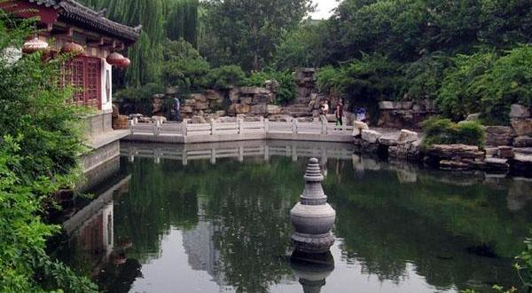 济南趵突泉公园风光