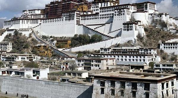 布达拉宫建筑