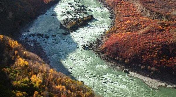 雅鲁藏布大峡谷景色