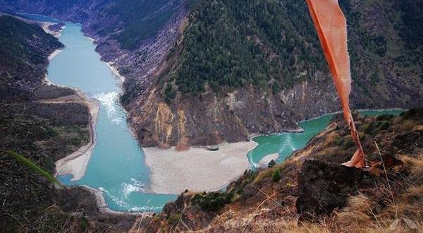 雅鲁藏布大峡谷美景