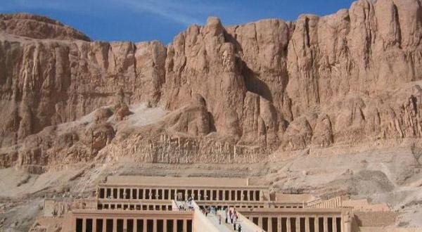 哈其素女王庙建筑