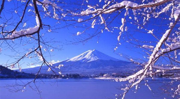 富士山雪景图