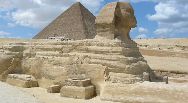 法老胡夫的金字塔