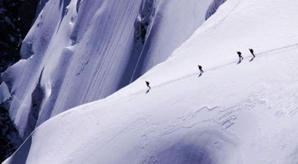阿尔卑斯雪山图