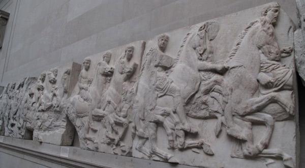 皇帝出征浮雕