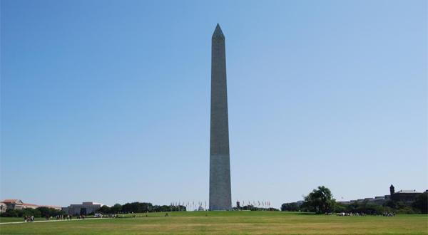 华盛顿纪念碑近景