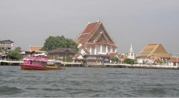 湄南河沿岸风景