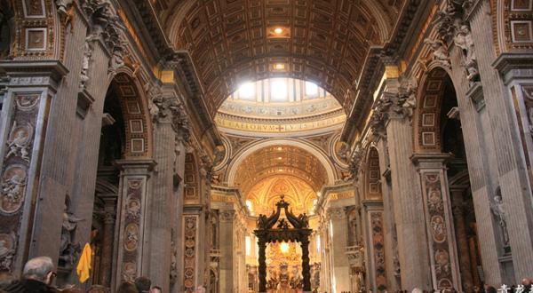 圣彼得大教堂内部