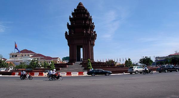 独立纪念碑全景