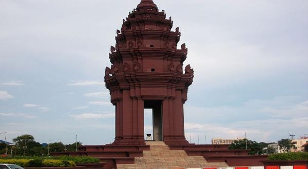 独立纪念碑近景
