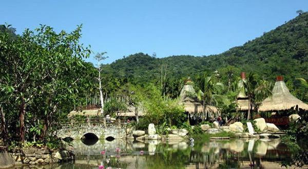 呀诺达雨林文化旅游区景色