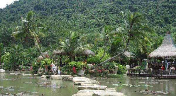 呀诺达雨林文化旅游区一角