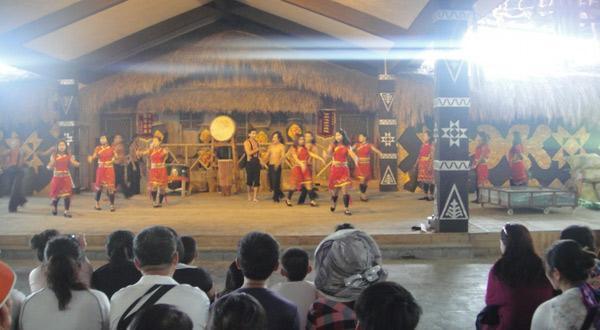 椰田古寨-表演