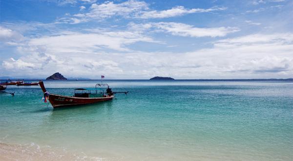 蓝钻岛海滩