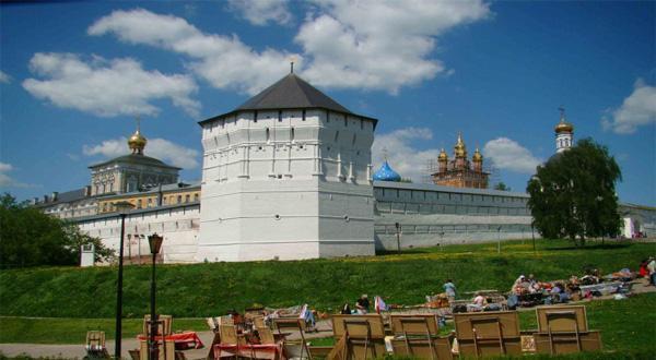 谢尔盖耶夫镇建筑