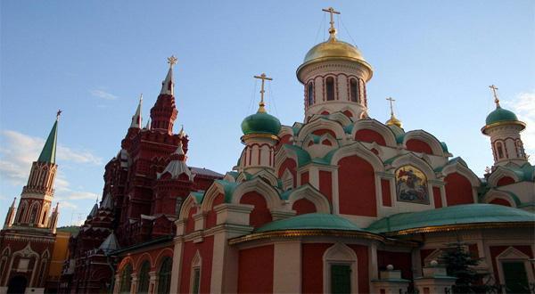 B线俄罗斯深度金银环伏尔加河+皇家庄园9日升级高铁(莫进出或圣进出)四星