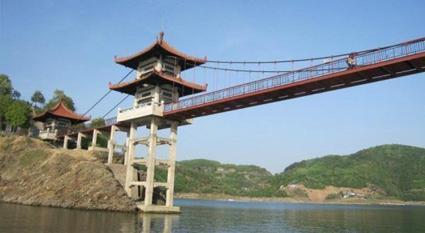 安康瀛湖香溪洞二日游