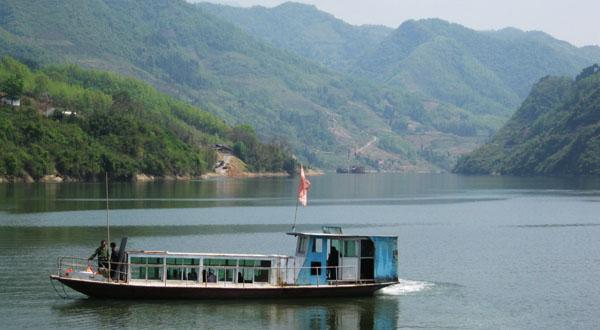 中坝大峡谷+汉江三峡+后柳水乡二日游【含正餐】