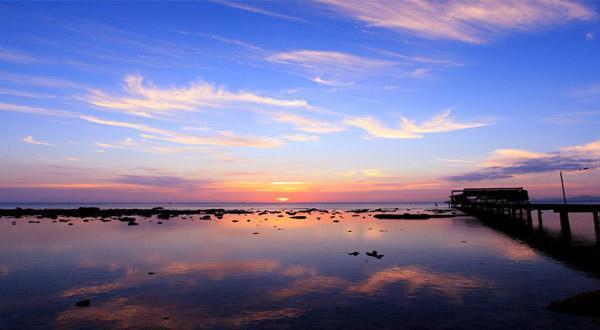 海岛蜜语豪华版 ,不仅提供旅游还制造浪漫, 独家定制无敌海景蜜月布置大床房
