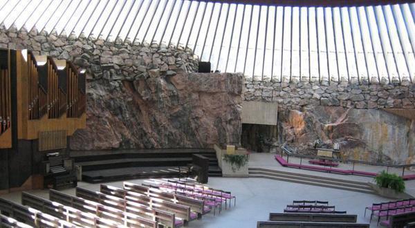 芬兰岩石教堂内景
