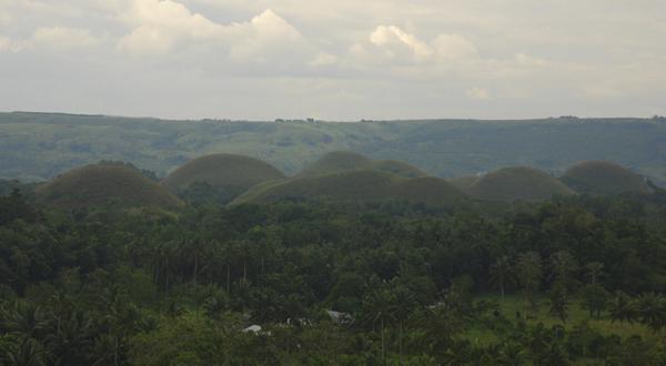 巧克力山全景图
