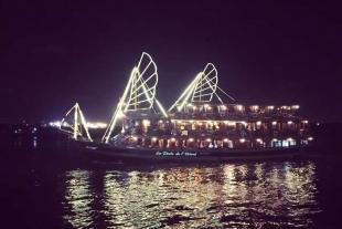 夜游西贡河