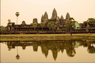 柬愛之星柬埔寨雙飛5晚7天