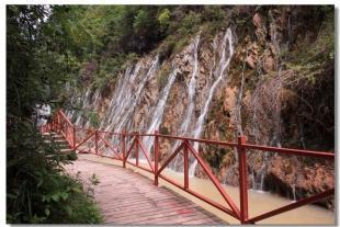 中坝大峡谷、后柳水乡、汉江三峡二日游